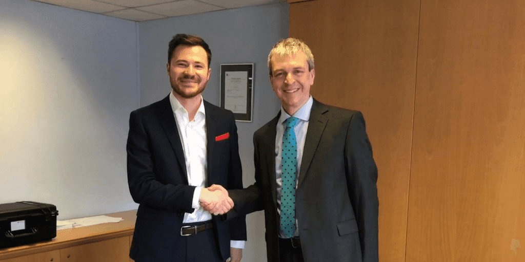 Intelligent Fingerprinting announces UK distribution agreement with SureScreen